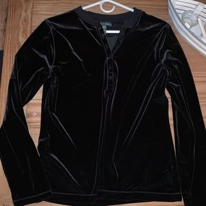 Ralph Lauren black velvet Henley top. Size large